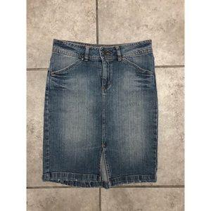 Bisou Bisou Denim Skirt Size 2